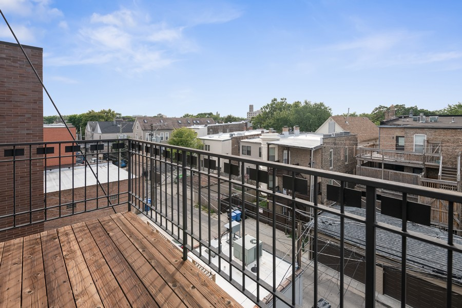 Real Estate Photography - 3432 N. Southport, PH, Chicago, IL, 60657 - Deck