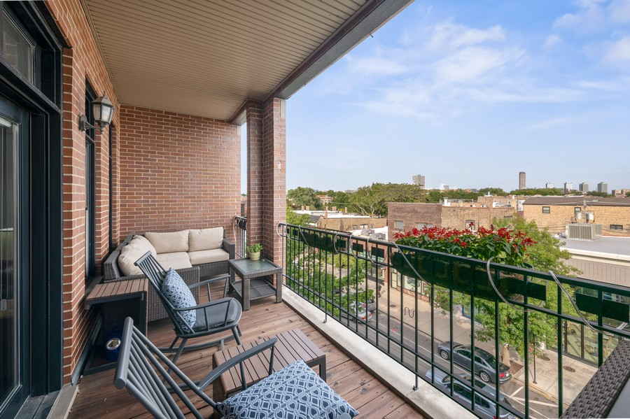 Real Estate Photography - 3432 N. Southport, PH, Chicago, IL, 60657 - Front Balcony