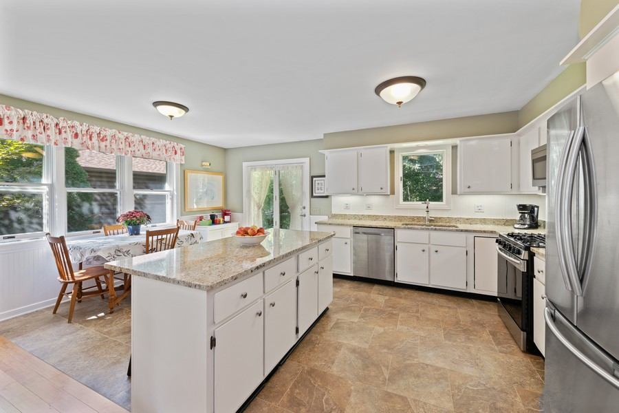 Real Estate Photography - 538 2nd St., Grayslake, IL, 60030 - Kitchen