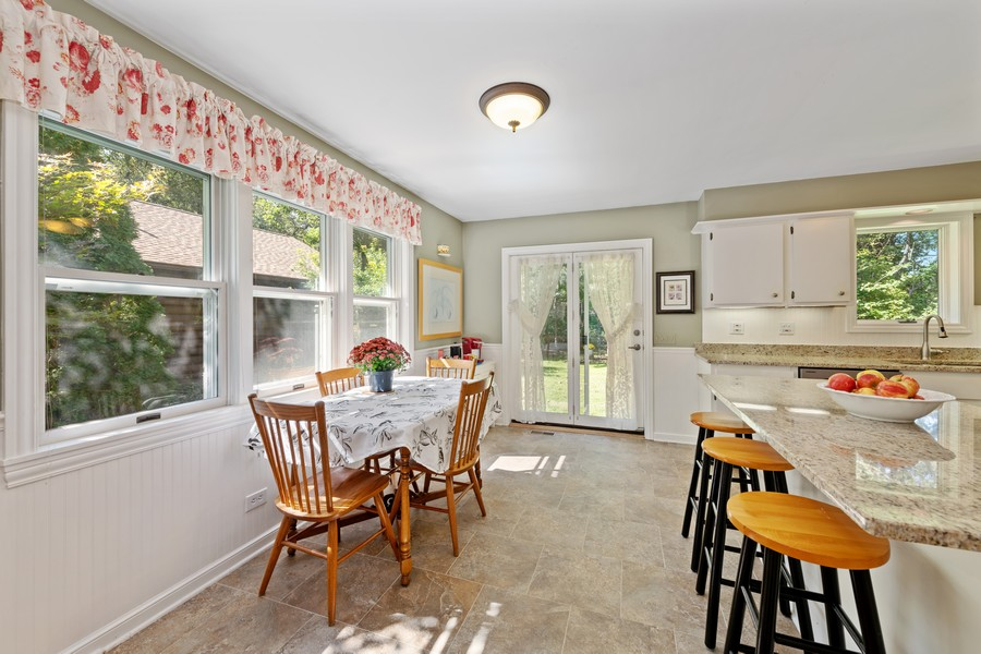 Real Estate Photography - 538 2nd St., Grayslake, IL, 60030 - Kitchen / Breakfast Room