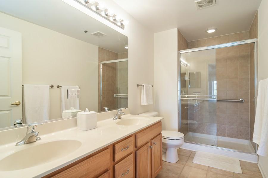 Real Estate Photography - 440 W Mahogany #612, Palatine, IL, 60067 - Master Bathroom