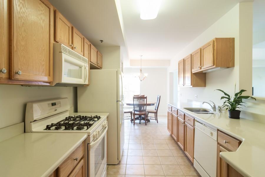 Real Estate Photography - 440 W Mahogany #612, Palatine, IL, 60067 - Kitchen / Breakfast Room