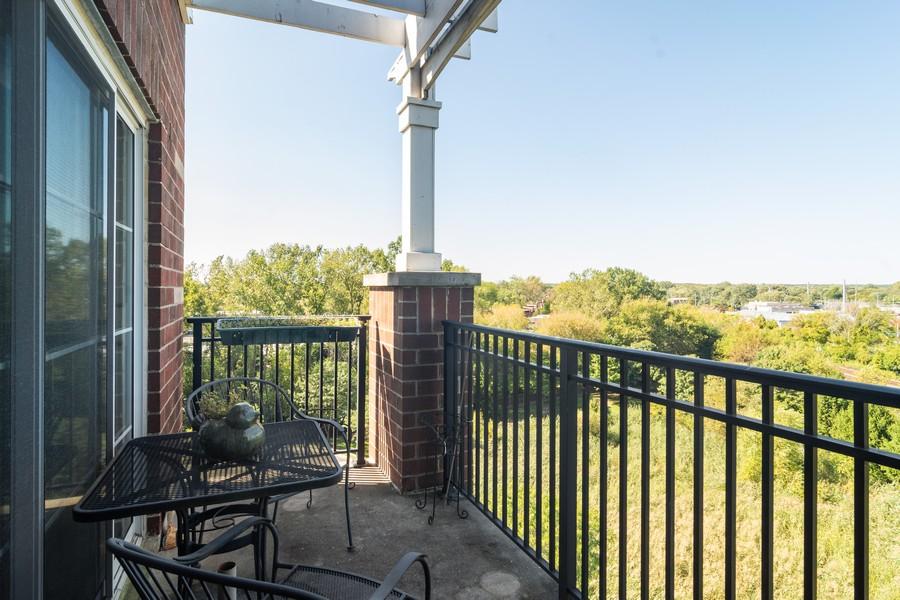 Real Estate Photography - 440 W Mahogany #612, Palatine, IL, 60067 - Balcony