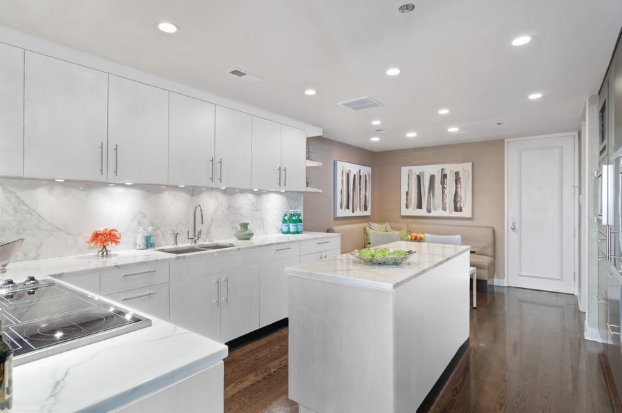 Real Estate Photography - 180 E Pearson St., Apt. 5006, Chicago, IL, 60611 -