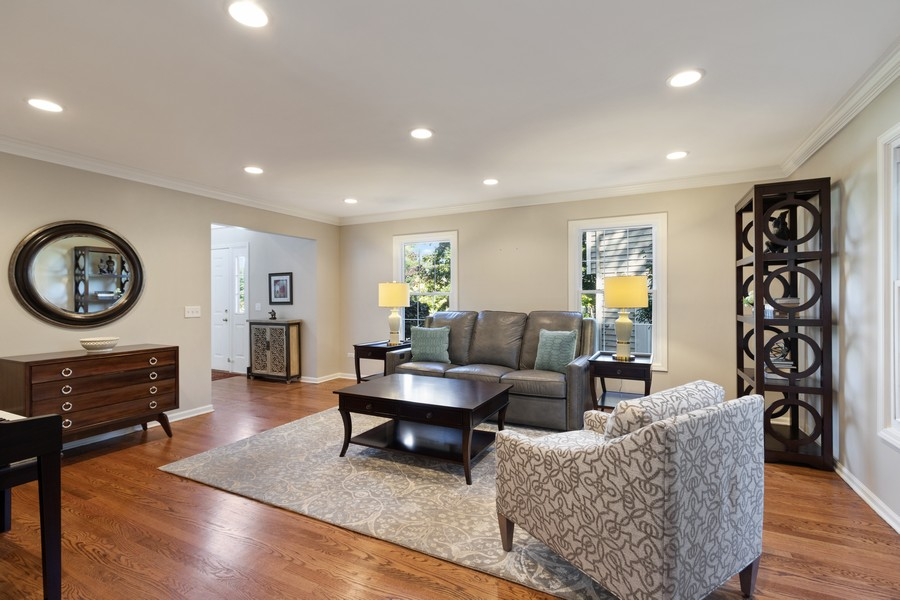 Real Estate Photography - 481 Paul Circle, Barrington, IL, 60010 - Foyer/Living Room