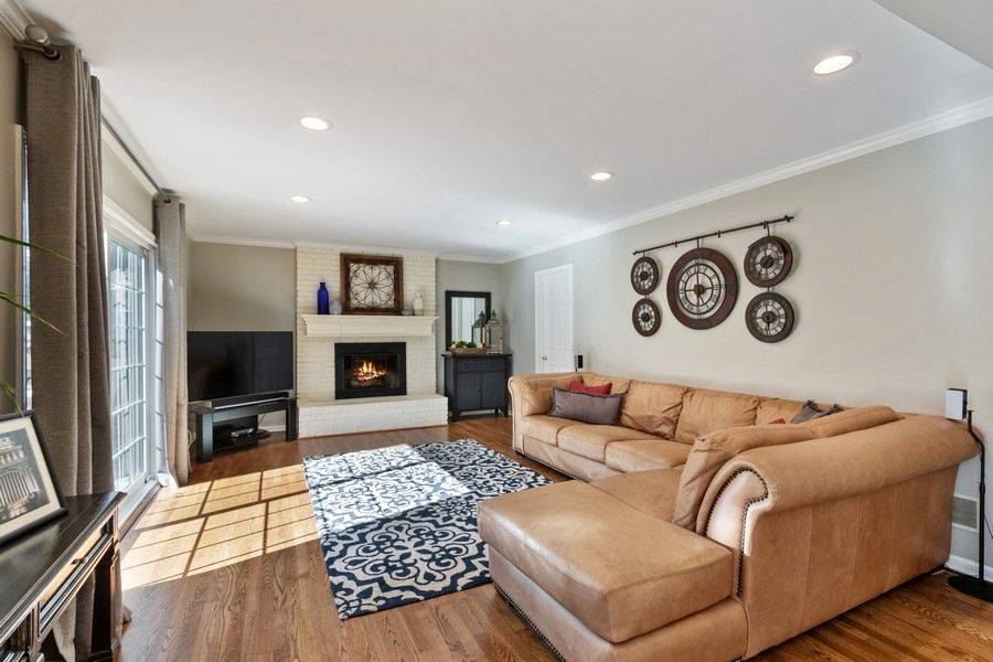Real Estate Photography - 481 Paul Circle, Barrington, IL, 60010 - Family Room