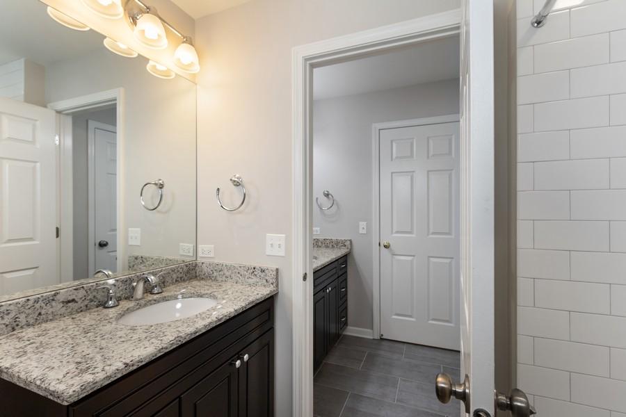 Real Estate Photography - 481 Paul Circle, Barrington, IL, 60010 - 2nd Bathroom