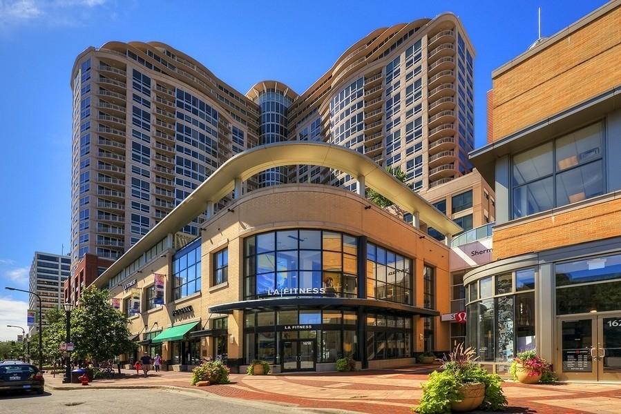Real Estate Photography - 807 Davis Unit 1705, Evanston, IL, 60201 - 807 Davis