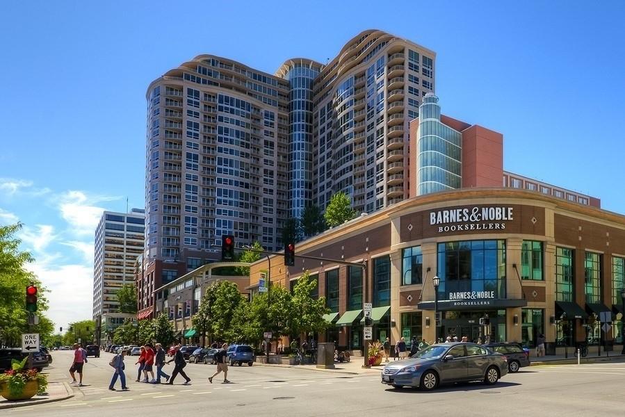 Real Estate Photography - 807 Davis Unit 1705, Evanston, IL, 60201 -
