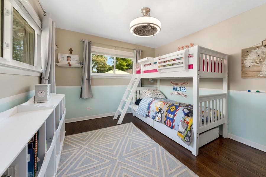 Real Estate Photography - 915 N Kaspar Ave, Arlington Heights, IL, 60004 - 2nd Bedroom