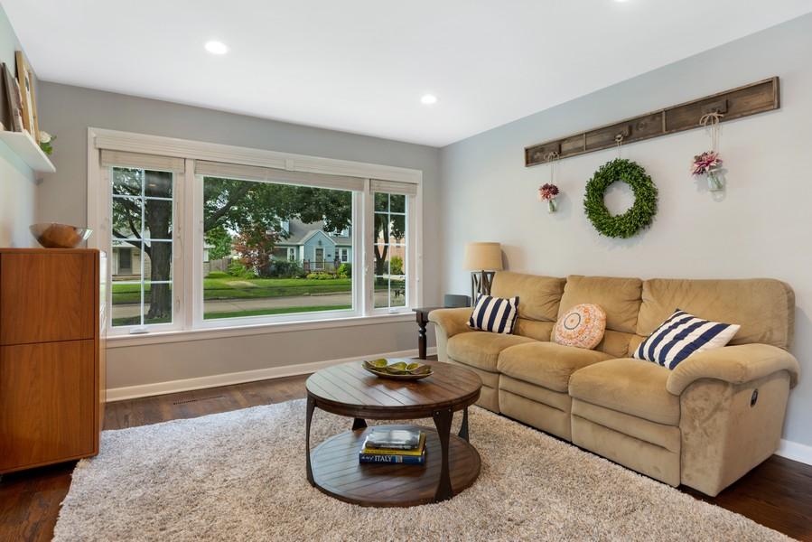 Real Estate Photography - 915 N Kaspar Ave, Arlington Heights, IL, 60004 - Living Room