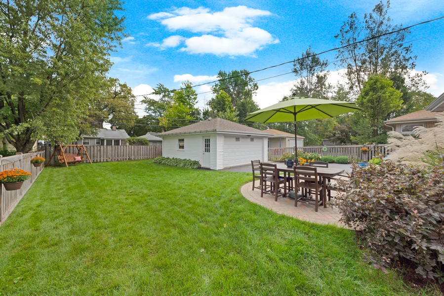 Real Estate Photography - 915 N Kaspar Ave, Arlington Heights, IL, 60004 - Back Yard
