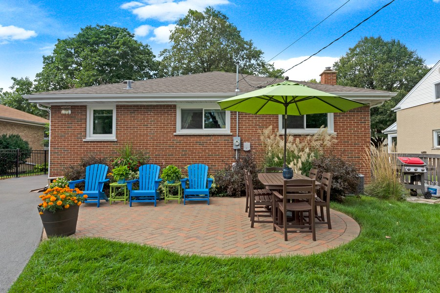 Real Estate Photography - 915 N Kaspar Ave, Arlington Heights, IL, 60004 - Rear View