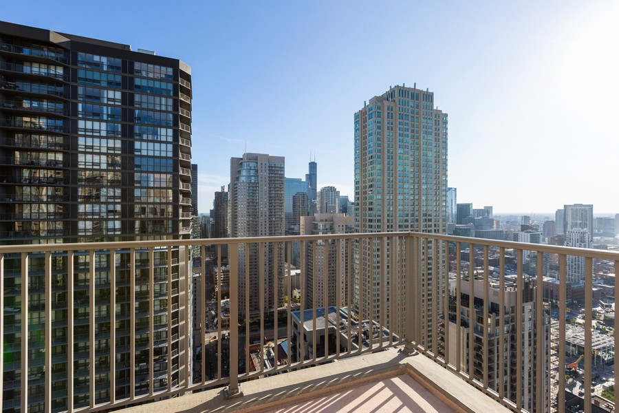 Real Estate Photography - 2 E Erie St, Apt 3112, Chicago, IL, 60611 - City View