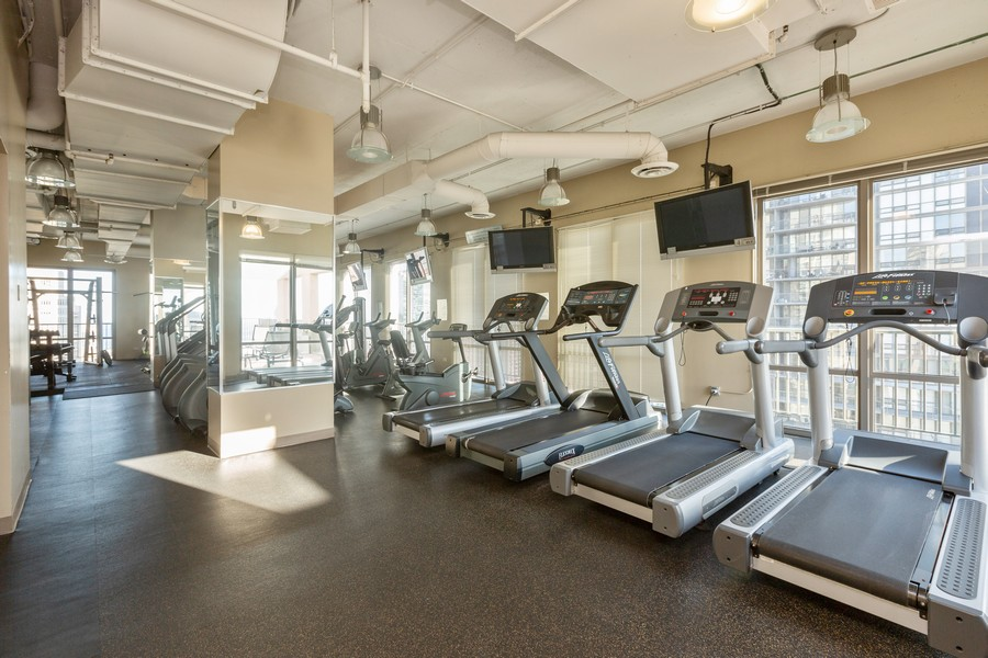 Real Estate Photography - 2 E Erie St, Apt 3112, Chicago, IL, 60611 - Exercise Room