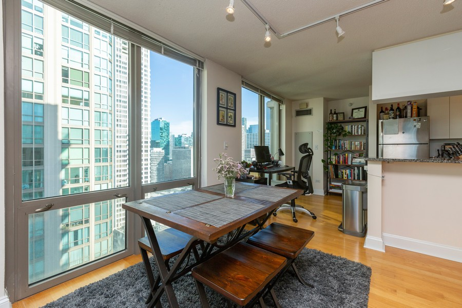 Real Estate Photography - 2 E Erie St, Apt 3112, Chicago, IL, 60611 - Dining Area