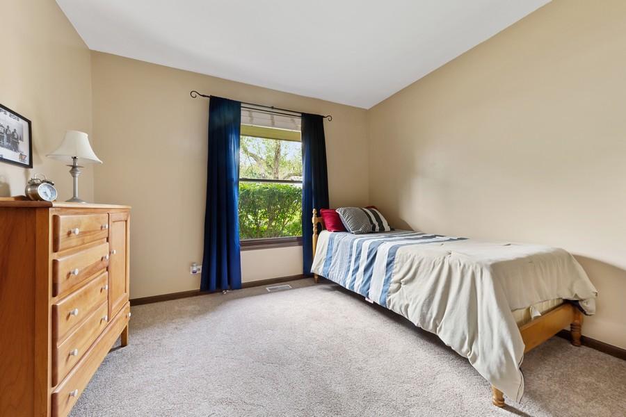 Real Estate Photography - 1675 Grosvenor Circle, UNIT B, Wheaton, IL, 60189 - Bedroom