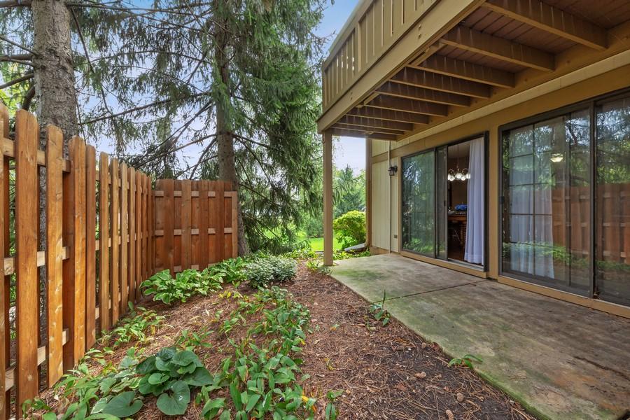 Real Estate Photography - 1675 Grosvenor Circle, UNIT B, Wheaton, IL, 60189 - Back Yard
