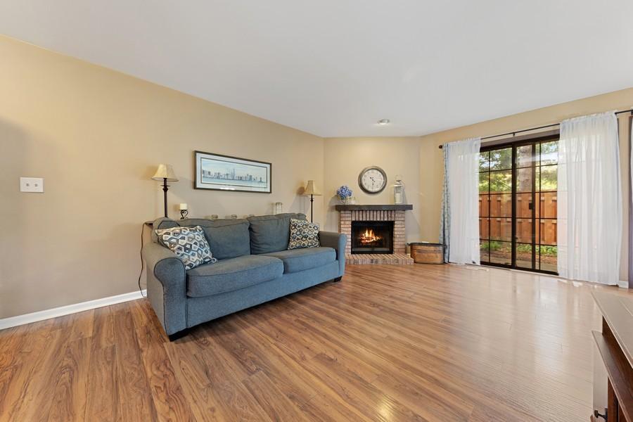 Real Estate Photography - 1675 Grosvenor Circle, UNIT B, Wheaton, IL, 60189 - Family Room