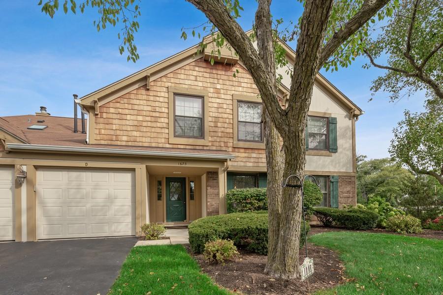 Real Estate Photography - 1675 Grosvenor Circle, UNIT B, Wheaton, IL, 60189 - Front View