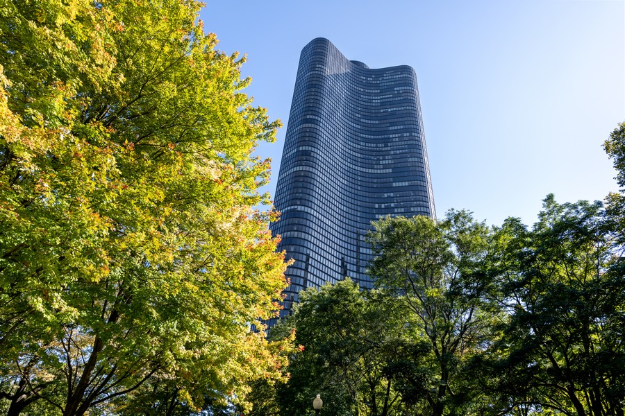 Real Estate Photography - 505 N Lake Shore Drive, #907, Chicago, IL, 60611 - Front View