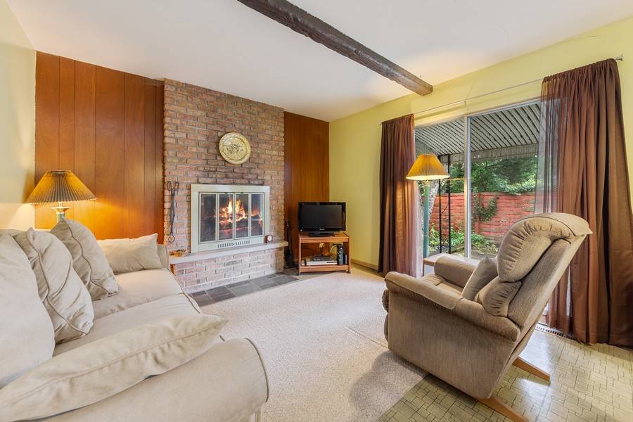 Real Estate Photography - 3405 Ashley Dr., Glenview, IL, 60025 - Family Room