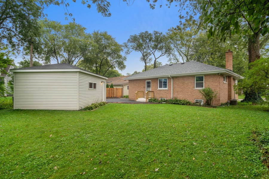 Real Estate Photography - 665 E Clarendon Ct, Arlington Heights, IL, 60004 - Rear View