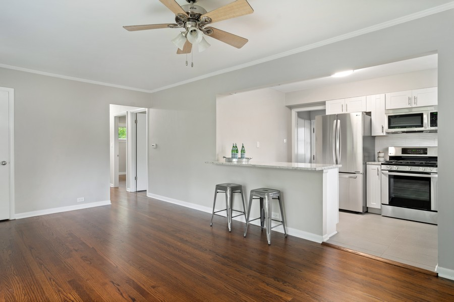Real Estate Photography - 665 E Clarendon Ct, Arlington Heights, IL, 60004 - Kitchen / Living Room