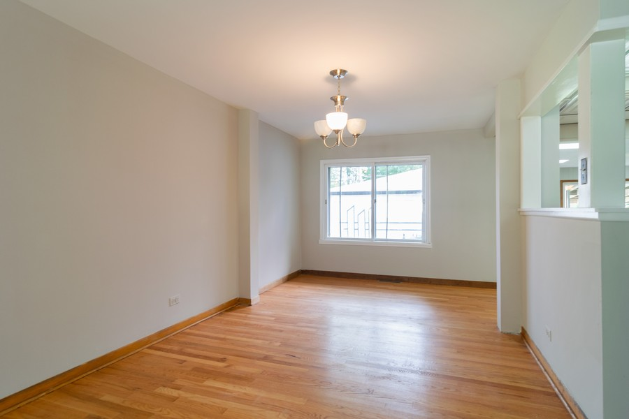 Real Estate Photography - 605 N Eastman Dr, Mount Prospect, IL, 60056 - Dining Room
