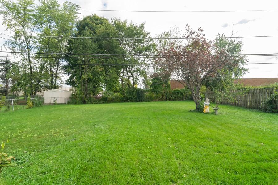 Real Estate Photography - 605 N Eastman Dr, Mount Prospect, IL, 60056 - Back Yard