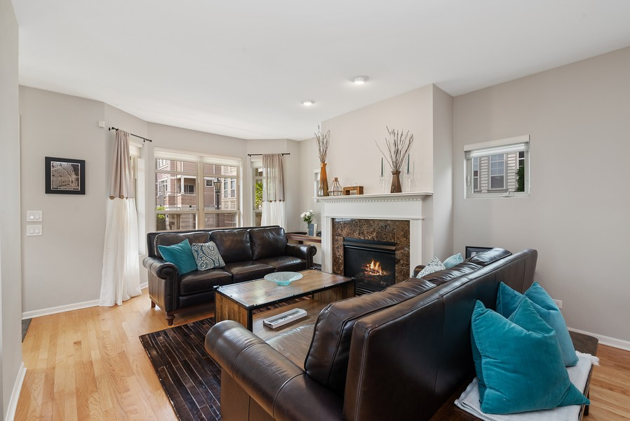Real Estate Photography - 4520 W Larchmont Ave, Chicago, IL, 60641 - Living Room