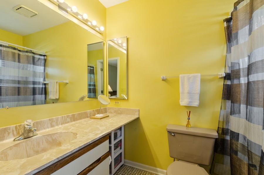 Real Estate Photography - 907 Hobson Dr., Buffalo Grove, IL, 60089 - Master Bathroom
