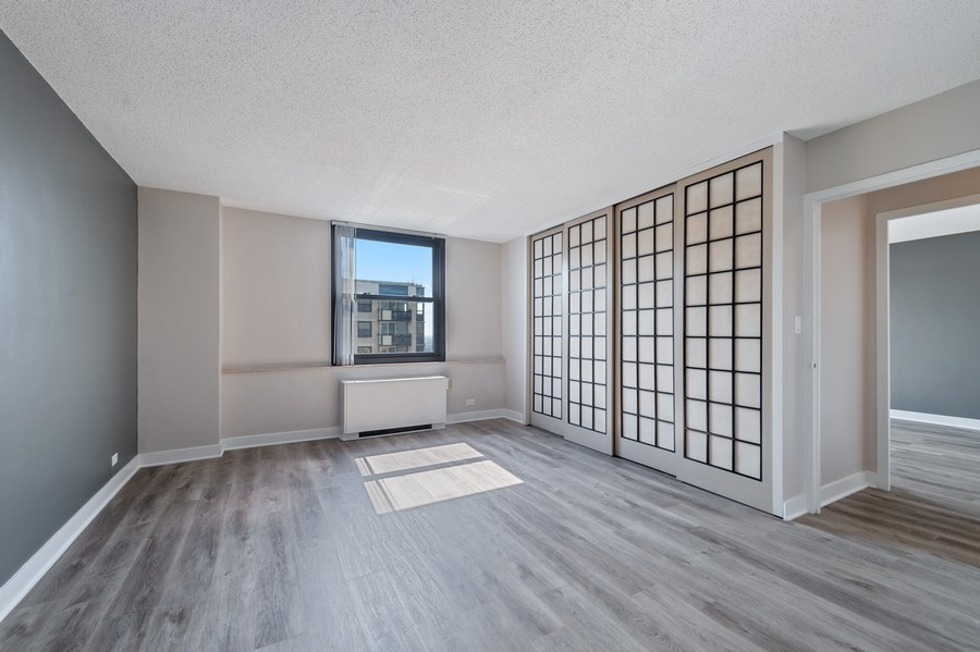 Real Estate Photography - 5701 N Sheridan, Unit 29A, Chicago, IL, 60614 - Master Bedroom