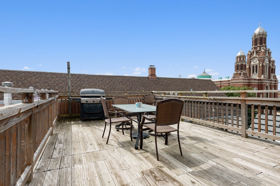 Real Estate Photography - 2902 N Central Park, 2S, Chicago, IL, 60618 - Roof Deck