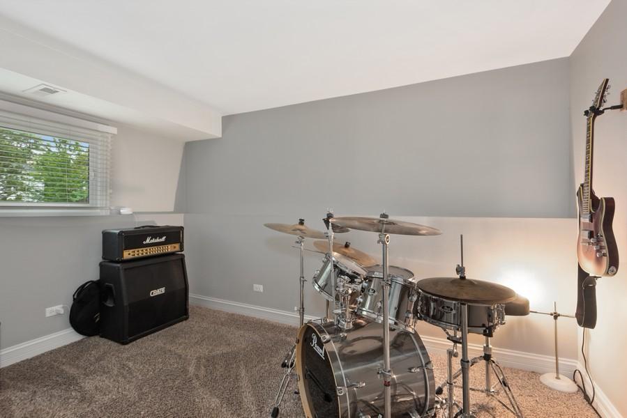 Real Estate Photography - 183 Newton, Glen Ellyn, IL, 60137 - 3rd Bedroom