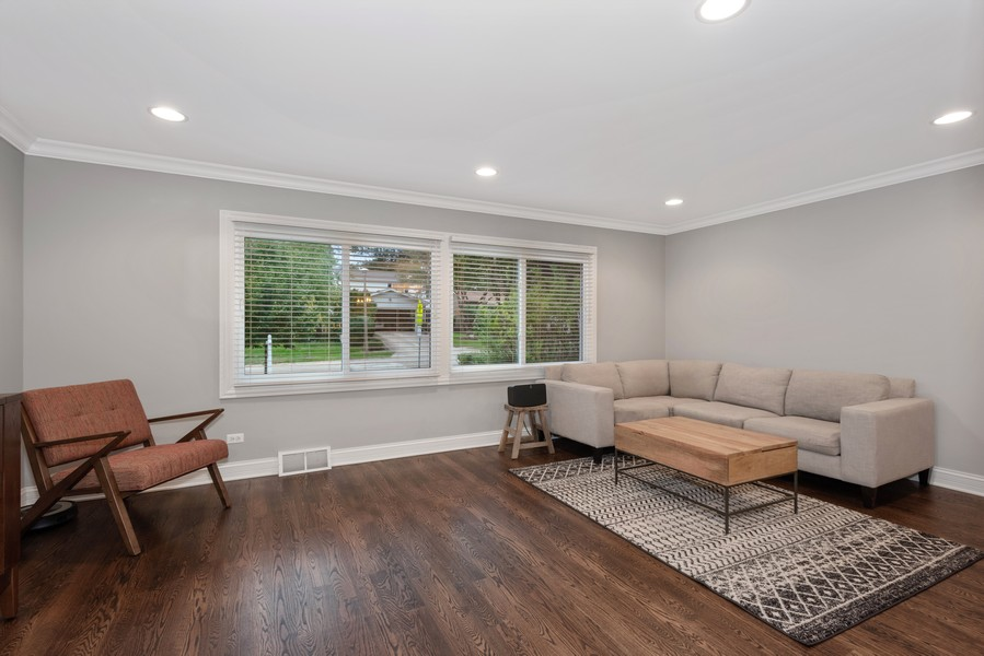 Real Estate Photography - 183 Newton, Glen Ellyn, IL, 60137 - Living Room