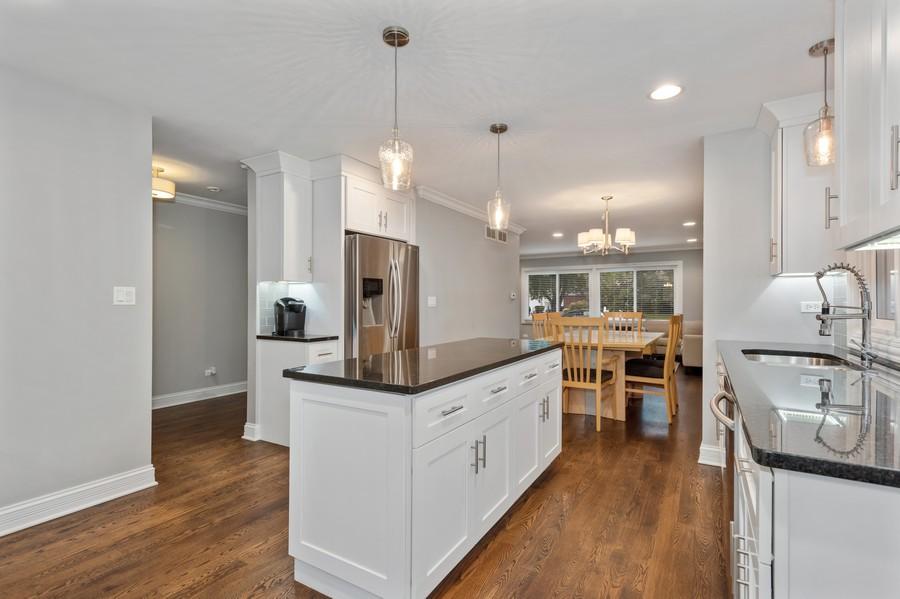 Real Estate Photography - 183 Newton, Glen Ellyn, IL, 60137 - Kitchen