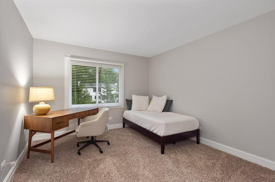 Real Estate Photography - 183 Newton, Glen Ellyn, IL, 60137 - Bedroom