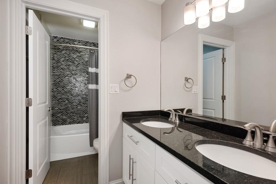 Real Estate Photography - 183 Newton, Glen Ellyn, IL, 60137 - Bathroom