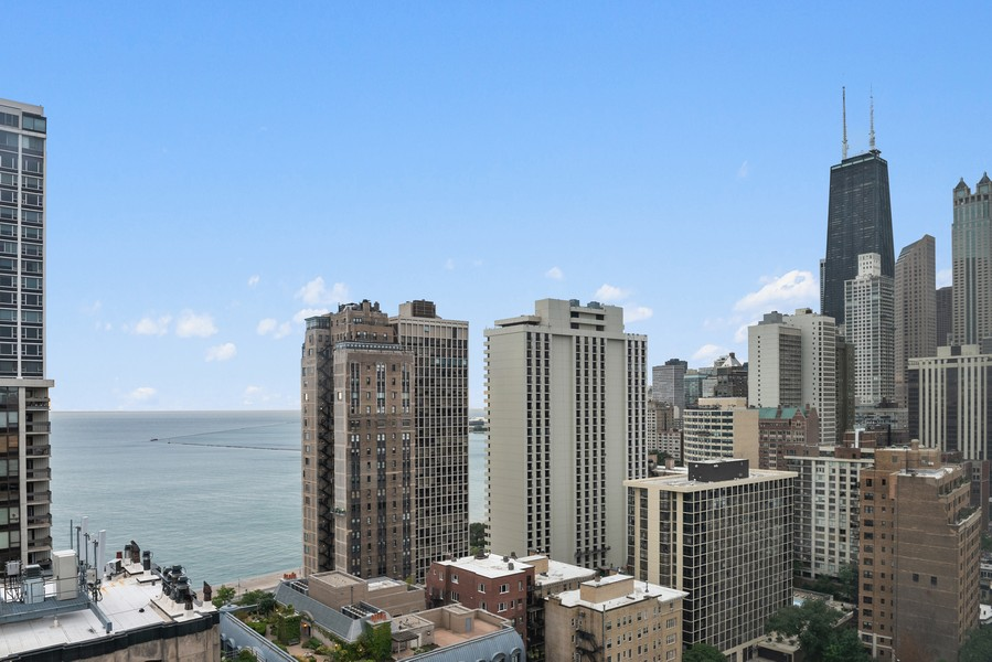 Real Estate Photography - 1300 N. Astor St., 25B, Chicago, IL, 60610 - City View