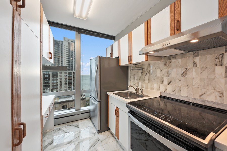 Real Estate Photography - 1300 N. Astor St., 25B, Chicago, IL, 60610 - Kitchen