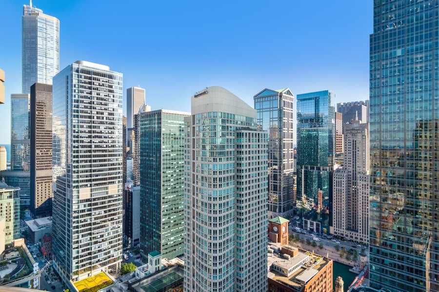 Real Estate Photography - 400 N La Salle, Unit 4207, Chicago, IL, 60654 - City View