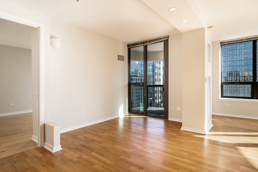Real Estate Photography - 400 N La Salle, Unit 4207, Chicago, IL, 60654 - Dining Room