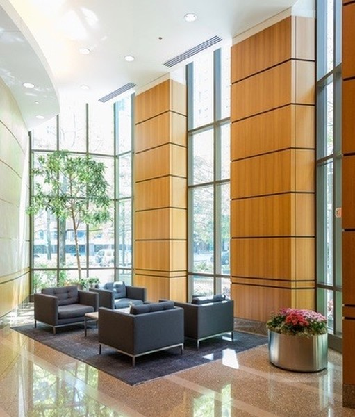 Real Estate Photography - 400 N La Salle, Unit 4207, Chicago, IL, 60654 -