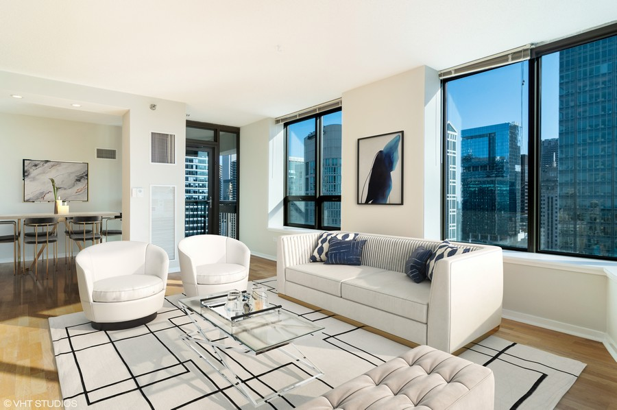Real Estate Photography - 400 N La Salle, Unit 4207, Chicago, IL, 60654 - LIVING ROOM / DINING ROOM