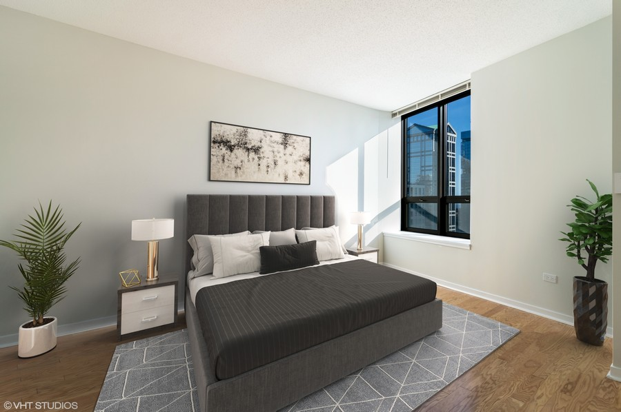Real Estate Photography - 400 N La Salle, Unit 4207, Chicago, IL, 60654 - 2nd Bedroom