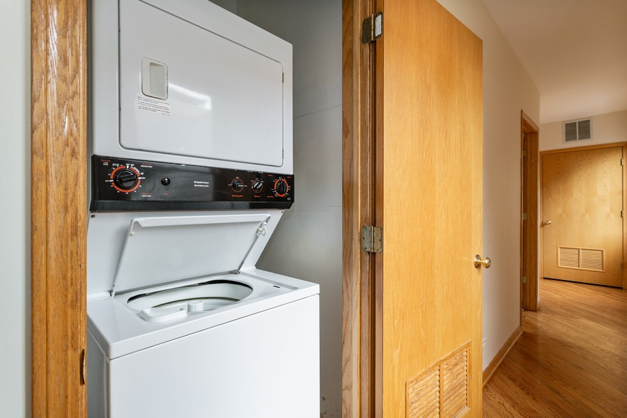 Real Estate Photography - 651 W Wellington, Unit 3, Chicago, IL, 60657 - Laundry Room