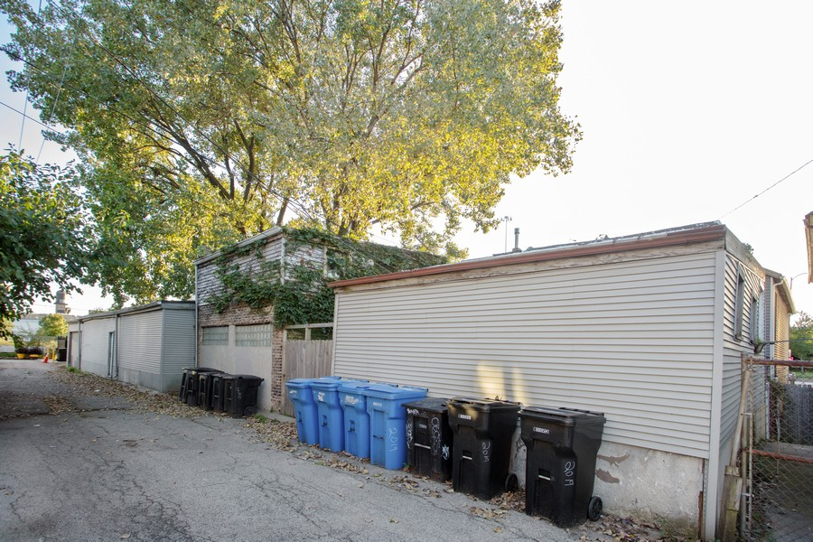 Real Estate Photography - 2021 S Ruble, 2023, 2025, 2027, 2029, Chicago, IL, 60616 - Rear of Lots