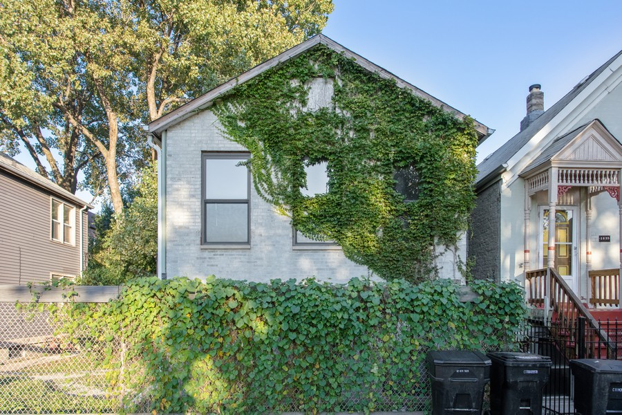 Real Estate Photography - 2021 S Ruble, 2023, 2025, 2027, 2029, Chicago, IL, 60616 - 2029 S. Ruble