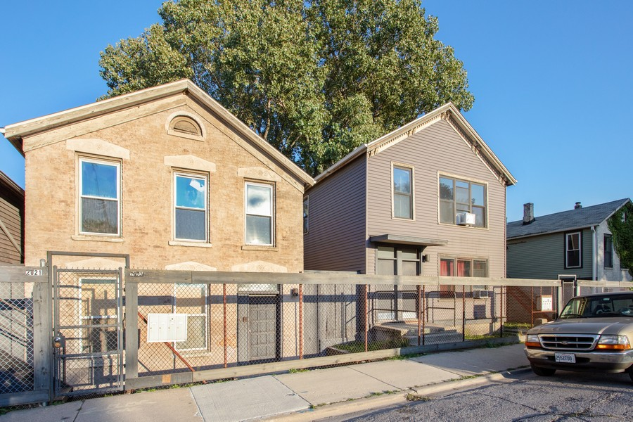 Real Estate Photography - 2021 S Ruble, 2023, 2025, 2027, 2029, Chicago, IL, 60616 - Front View